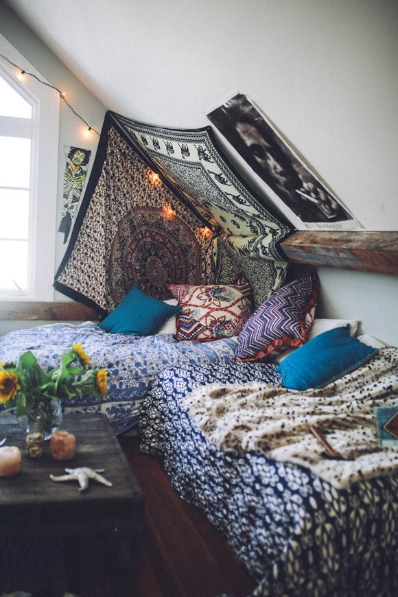 Amazing art inside an amazing home. Get a look at Sam Malpass's creative and bohemian-drenched world…