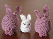 little crochet bunnies