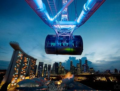 Feel the energy of the city beneath your feet on the world's largest observation wheel - the Singapore Flyer.  Dinner disini asik banget deh sambil menikmati indahnya singapore di malam hari www.singaporeflyer.com/ #SGTravelBuddy