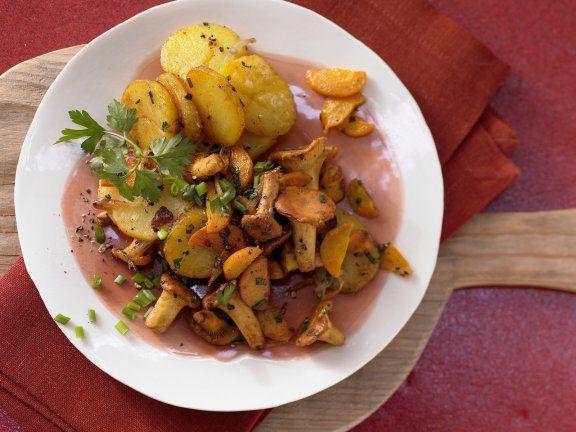 Pfifferling-Gröstl mit Kartoffeln und Kräutern |