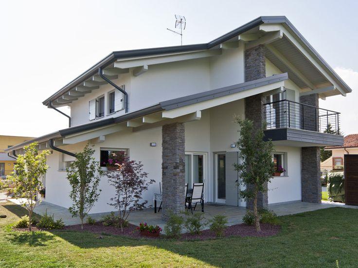 Oltre 25 fantastiche idee su case con esterni in pietra su for Case in legno e pietra