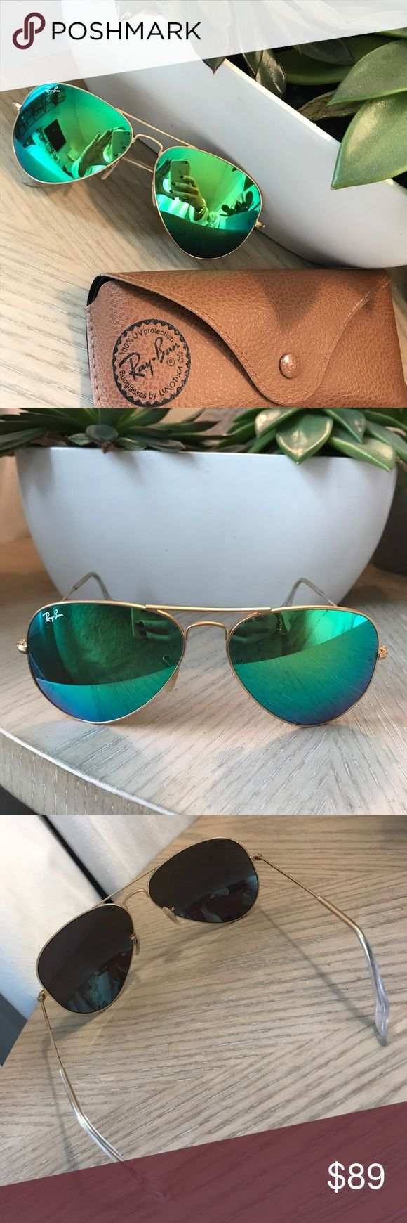 Ray-ban Green Mirrored Aviators Ray-ban Green Mirrored Aviators - AVIATOR FLASH LENSES Model code: RB3025 112/19 58-14 Frame material: Metal Frame color: Gold Lenses: Green Flash  Shape: Pilot Size lens-bridge: 58 14 Temple Length: 135 Ray-Ban Accessories Sunglasses