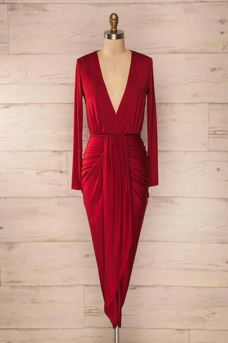 Robe rouge asymétrique ajustée cache-coeur manches longues - Long sleeved fitted asymmetrical red wrap dress