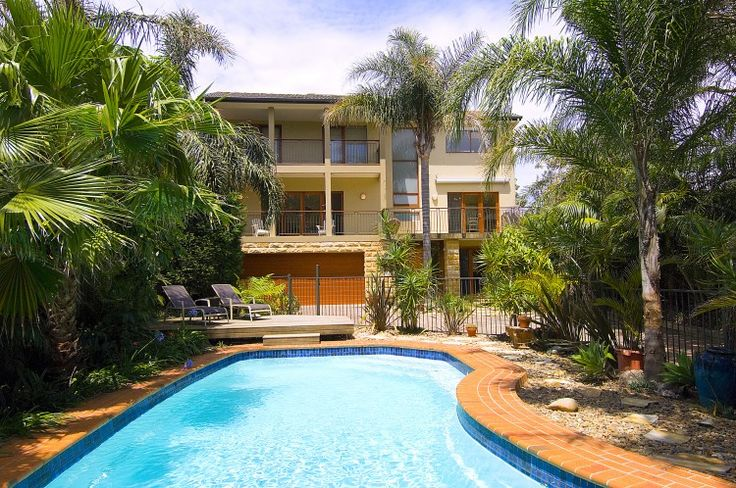Situated overlooking the Pacific Ocean, Bangallys is one of the premier family holiday houses in the area.  for more information about this property please visit www.nbholidays.com.au