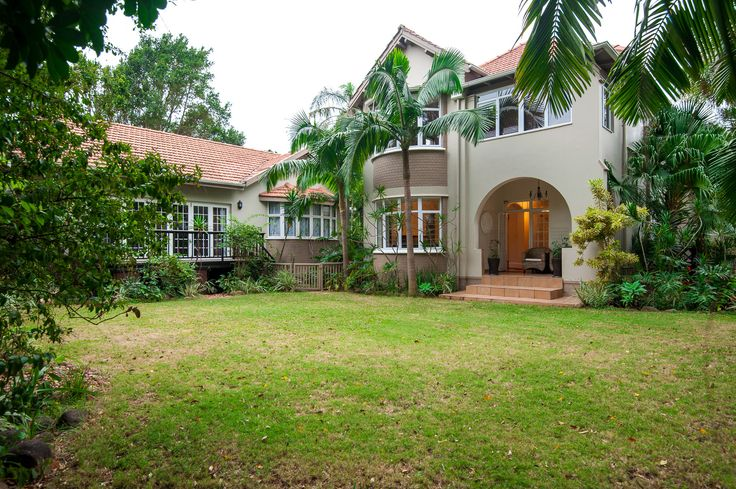 """RAVE REVIEW for The Brother's Guest House ~ Durban North, KZN  """"Very cozy and welcoming. Clean and comfortable. Thank you Robin for letting me have a bit of 'me time'. Definitely will be back. All the best. Tracey""""  See more on https://www.wheretostay.co.za/the-brothers-guest-house-accommodation-durban-north-kwazulu-natal"""