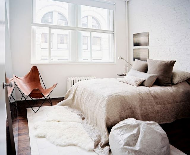 : Beds, Interiors Design, Butterflies Chairs, Linens, Rugs, Bedrooms Decor, Leather Chairs, Neutral Bedrooms, Cozy Bedrooms