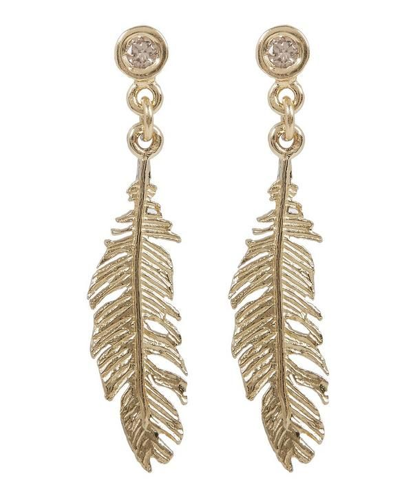 Of all the ever-popular feather pieces he has crafted over the years, Alex Monroe presents his most intricate creation yet in the Plume earrings, elevated by tiny sparkling champagne studs.