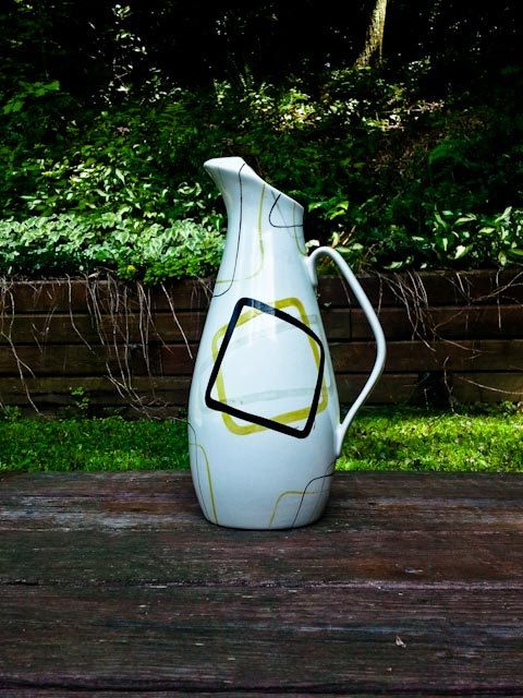 Red Wing pottery Smart Set Pitcher 120 ounce- NEAR PERFECT! Mid Century Modern