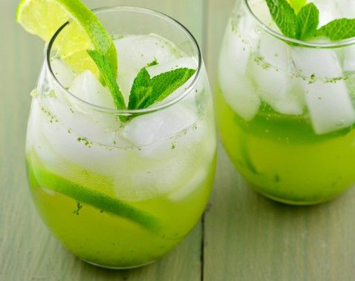 It would not feel like the warmest season without these summer cocktails and drink recipes from Food.com.