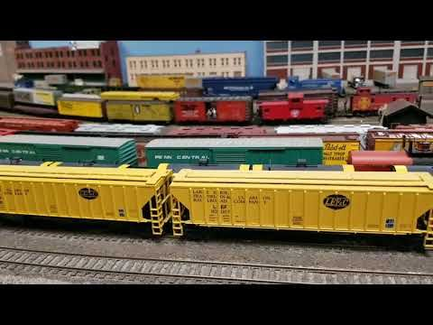 Huge HO Scale Train Layout At The Ohio Valley Lines 2018/2019 Open