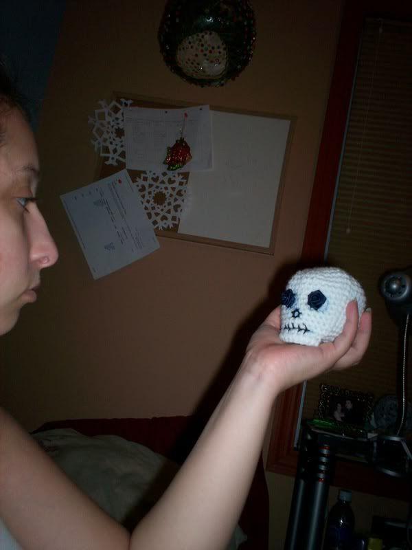 Free Amigurumi Skull Pattern : Best 25+ Crochet skull ideas on Pinterest Crochet skull ...