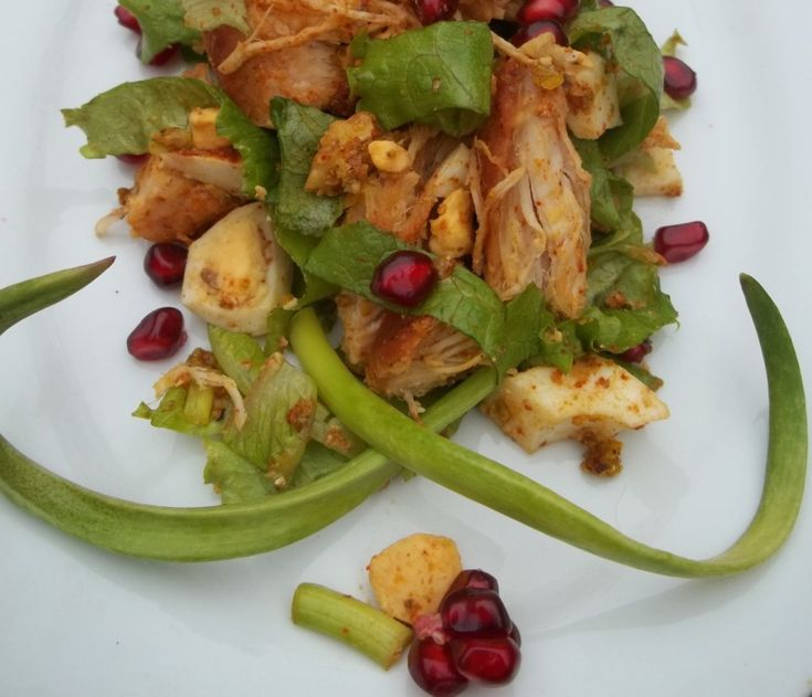 Pomegranate and walnuts are popular ingredients in Georgian cuisine. In this family recipe we show how to make a chicken salad with walnuts and pomegranate seeds.Ingredients: 600 grams of chicken b…