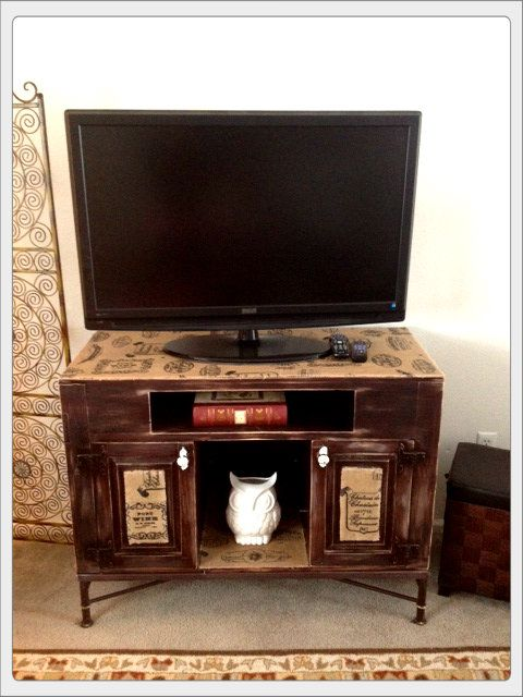 2 updates for an old TV stand: sand it randomly & cover with printed burlap.