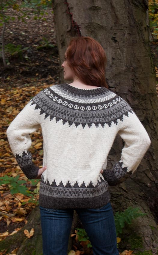 Icelandic sweater in ecru