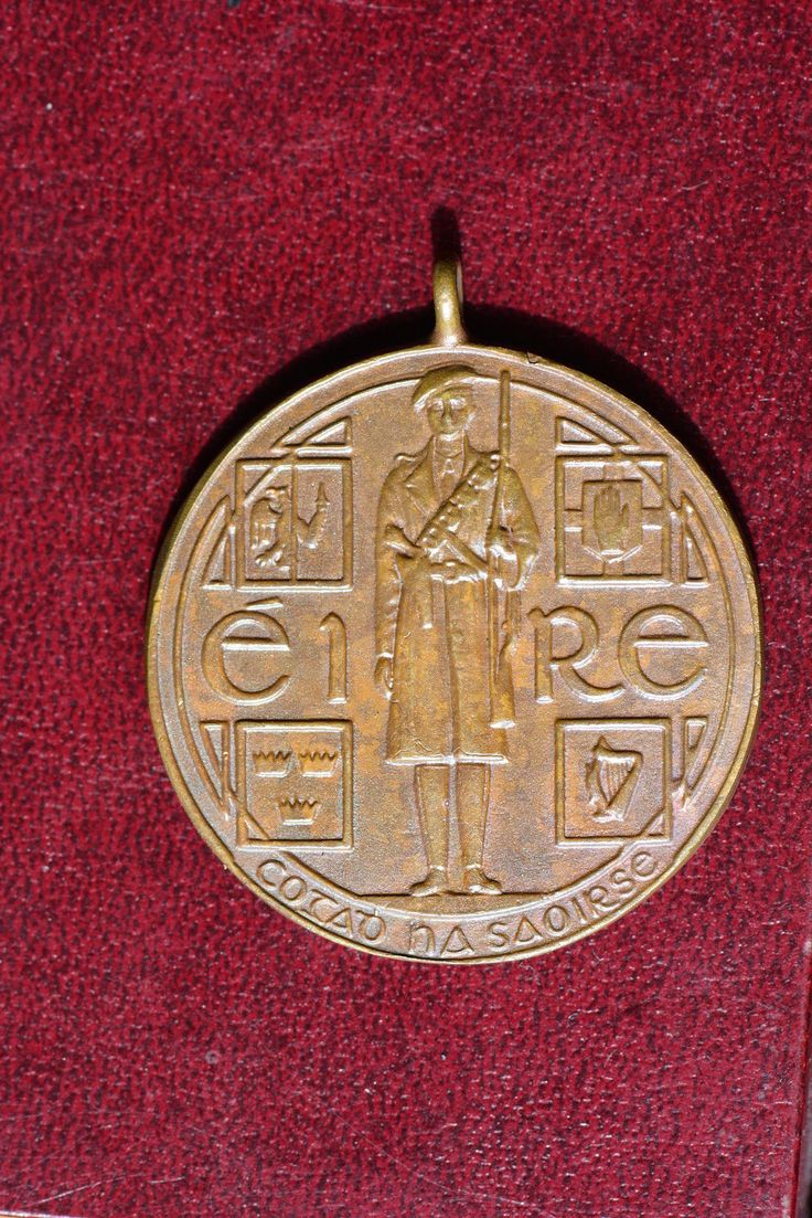 1921 Irish Independence Black and Tan medal | eBay