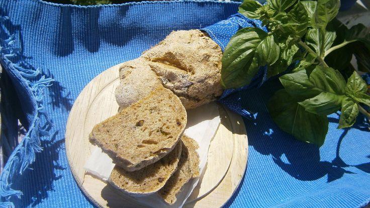 bazsalikomos kenyér