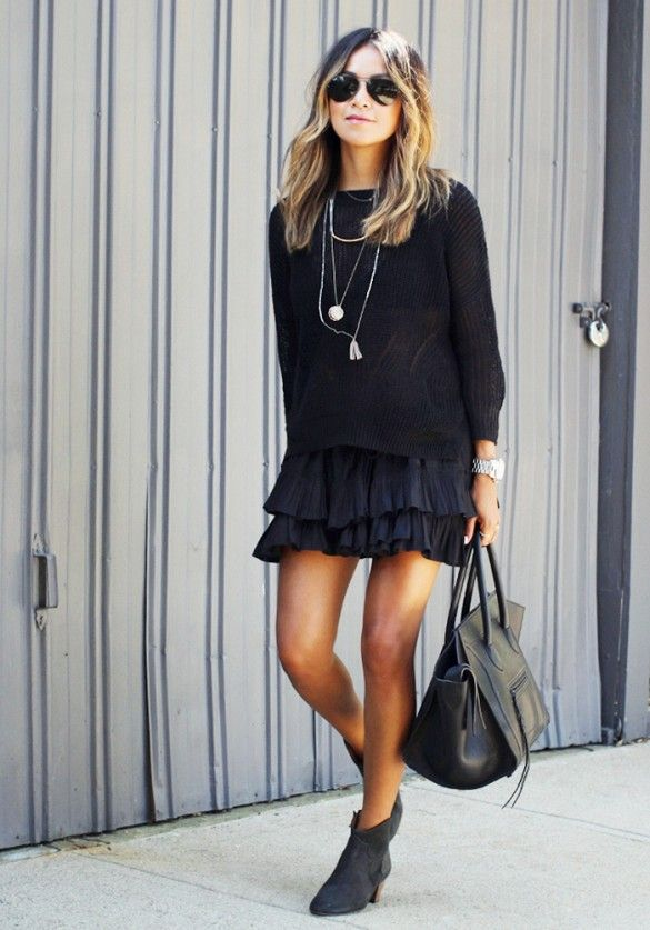 Sincerely Jules' Julie Sarinana goes all-black with pops of silver accessories. // #StreetStyle #Booties