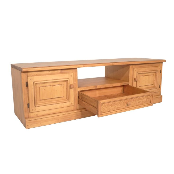 Este #mueble bajo de 175 cm de largo y puertas de #madera es perfecto para ver la #televisión 📺 siempre que quieras. Se adapta a cualquier tipo de #habitación y aportará elegancia a tu #salón 🙂 Realiza tú pedido en nuestra página web:  📺http://ow.ly/VeHI30eMLCc #Muebles #Dormitorios #Salón #Comedor #Recibidor #Decoración #Calidad #Rústico #Diseño #Madera