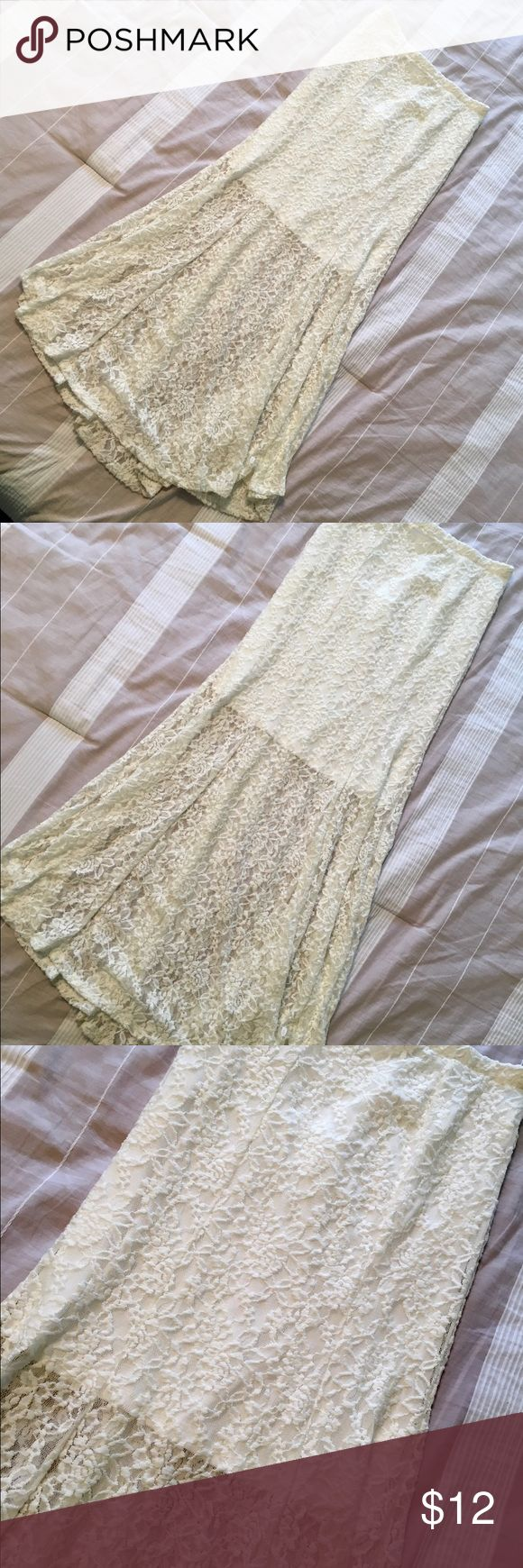 Monteau White Lace Maxi Skirt Monteau white lace maxi skirt. Size is large but fits a size smaller. More like a medium. Waist band is elastic. Very figure flattering and perfect for the beach! In perfect condition! ✨BUNDLE AND SAVE✨ Monteau Skirts Maxi