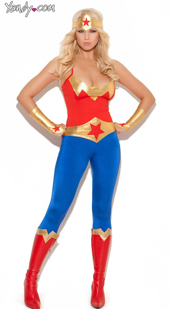 17 best images about wonder woman on pinterest superstar thigh high stockings and shoe boots - Costume de super heros ...