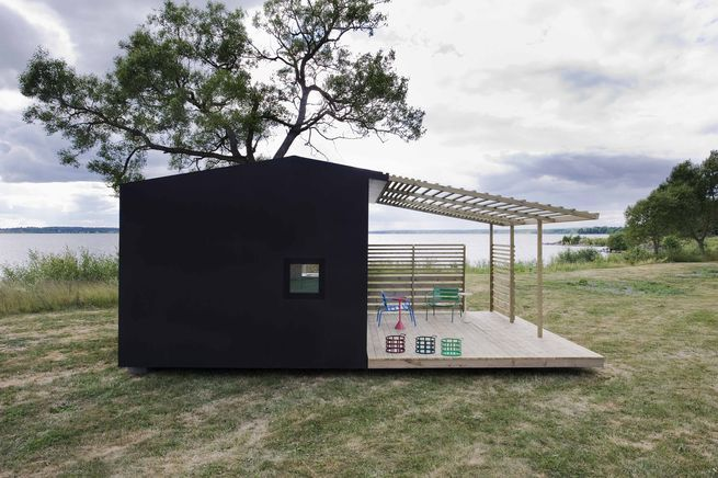 This prefab cabin takes just two days to build.