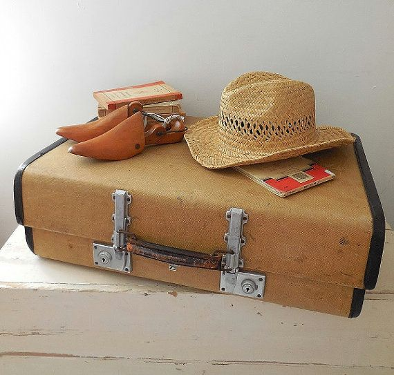 30 best Vintage Suitcases images on Pinterest | Vintage suitcases ...