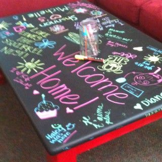 My daughter painted this chalkboard coffee table for her college apartment. Her roommates found these cool wet wipe chalkboard markers.Wipes Chalkboards, Coffee Tables, Chalkboards Tables, Wet Wipes, Dorm Room, Chalkboards Painting, Chalkboards Markers, Chalk Boards, Colleges Apartments