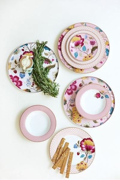 Show details for Floral Fantasy cake platter without stand pink