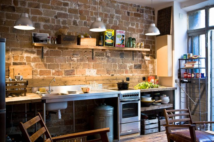 airbnb.com loft in Paris. cuisine ouverte. Superb lighting. https://www.airbnb.com/rooms/251644