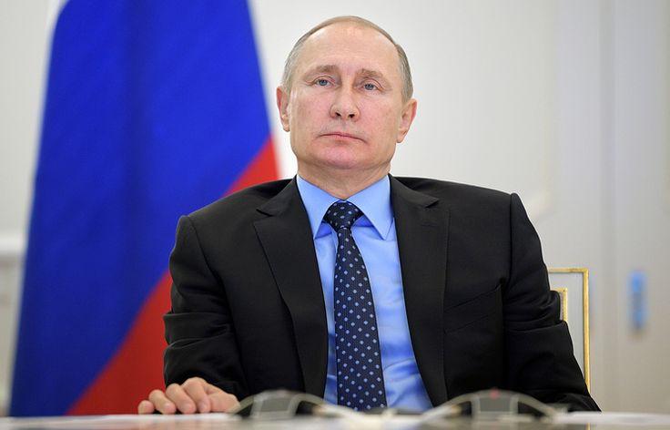 Путин подписал закон о запрете чиновникам владеть зарубежными активами через третьих лиц   29 декабря, 13:33   http://tass.ru/ekonomika/3915349
