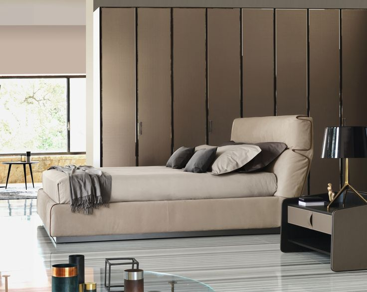 L'eleganza dei particolari in un letto ton-sur-ton o a contrasto. In una parola: Gentleman. Design by Carlo http://www.flou.it/it/mood2014/gentlemanbeds The elegance of the details into a double tone-on-tone or contrasting. In a word: Gentleman. Design by Carlo Colombo