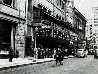 El Cine Olimpia en la calle de 16 de Septiembre, colocada la primera piedra el inmueble en 1919 por Enrico Caruso e inaugurado en 1921. Tenía dos salones de baile, un fumador, dos vestíbulos y un órgano Wurlitzer. Aquí se musicalizaron filmes de la época muda; fue una de las primeras salas con sonido: se proyectó la primera película sonora: El cantante de jazz. Desde los altos del Olimpia la XEW inició transmisiones en 1930. En 1941 fue remodelado por Crombè, se mantuvo así hasta 1995…