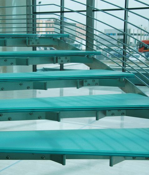 Madras® glass for stairs | Vitrealspecchi. Check it out on Architonic