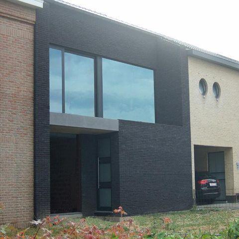 Moderne voorgevel nieuwbouw rijwoning huis inspiratie for Moderne rijwoning