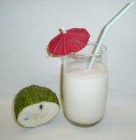 Recept Guanábana Milkshake. Guanábana is een tropische vrucht die smaakt naar ananas met een beetje citroen-achtig. Heerlijke milkshake!