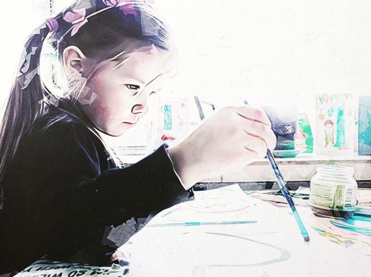Pikkuinen taitaja työssään. On lumoavaa seurata puhdasta luovuutta. Mielikuvituksen herkkää rientoa. Intia. #intiatyttö #trigraphy #creativeflow_graphics #ig_artistry #ig_magical #artistry_flair #tv_editz #transfer_visions #creative #bestedits #editoftheday #edit_perfection #editjunky #editstyles_gf #igersfinland #createcommune #the_best_shotz #pixelpanda #jj_creative #jj_moodyhues #radicalshutter #art #picturekeep_edit #illustrious_art #ig_creativepics