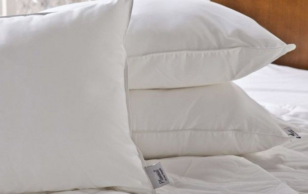 Periodicamente, a cada intervalo de lavagens, coloque seus travesseiros na…