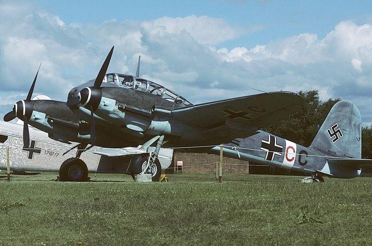 Messerschmitt_Me-410A-1-U2_Hornisse,_Germany_-_Air_Force_AN1139884.jpg (1024×678)
