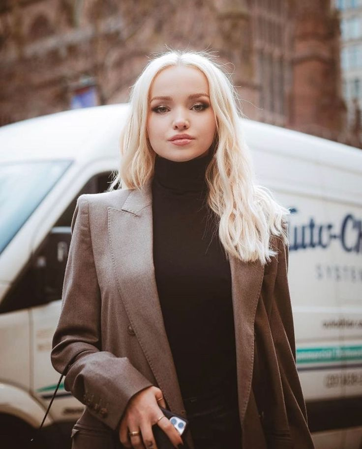 """Official Dove Cameron Updates on Instagram: """"@dovecameron ..."""