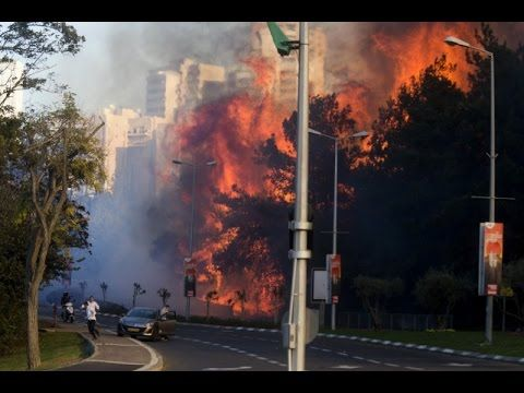 Israel fires: Tens of thousands flee as fires hit Haifa - http://atosbiz.com/israel-fires-tens-of-thousands-flee-as-fires-hit-haifa/