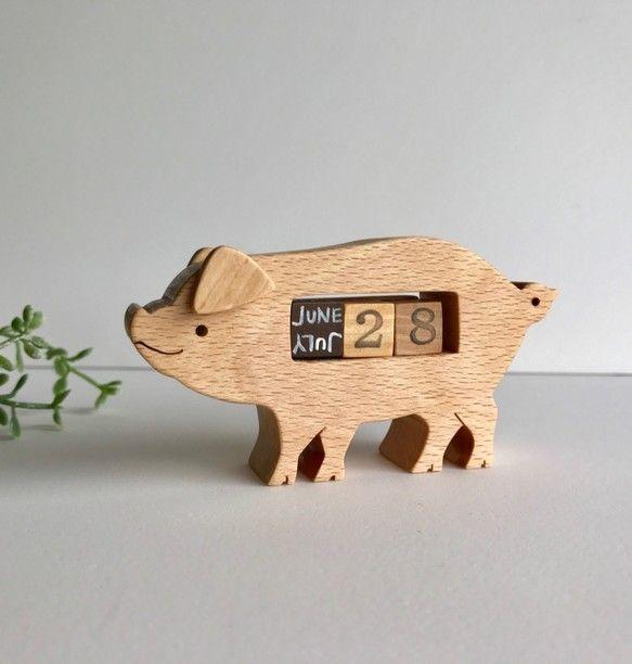 豚の卓上カレンダー おもちゃの車 ぶた 卓上カレンダー