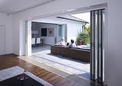 Vouwdeuren op maat voor fijne brede opening kosten tabel en vergelijk schuifpui. Ontdek de prijs en voordelen van de mooie waardevermeerderende vouwpui!