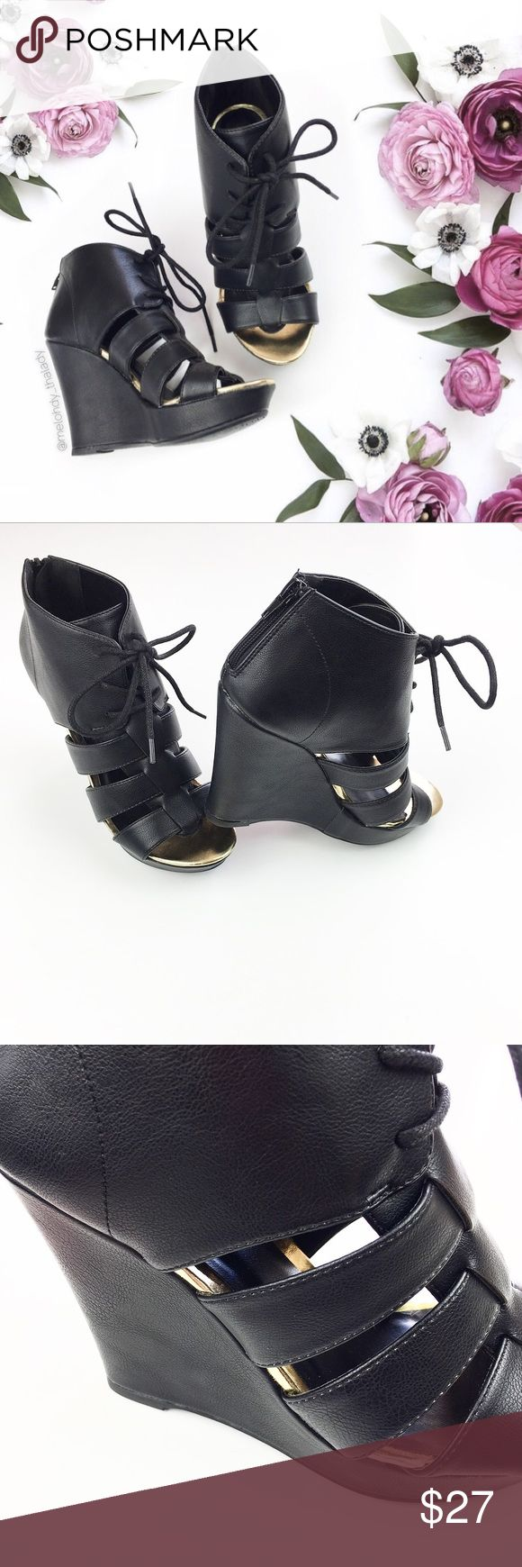 Black/Gold Open Toe Heel Wedges Black/gold wedges with open toe design. Top of the shoe can be tied. Shoe is black all around, the inside is black and gold. The wedges have a zipper on the back.  Measures Heel: 11cm Platform on the front: 3cm  ▪️NWT (without box) 🚫No Trade Shoes Wedges