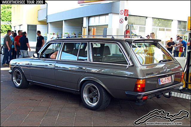 Mercedes benz amg w123 wagon at the w rthersee tour 2009 for Mercedes benz superdome tours