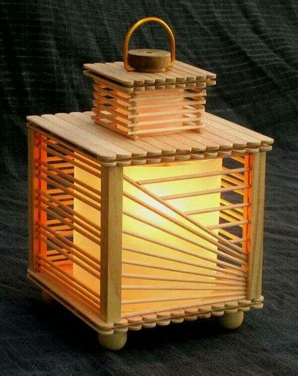 Lámpara hecha con palos de paletas                                                                                                                                                      Más