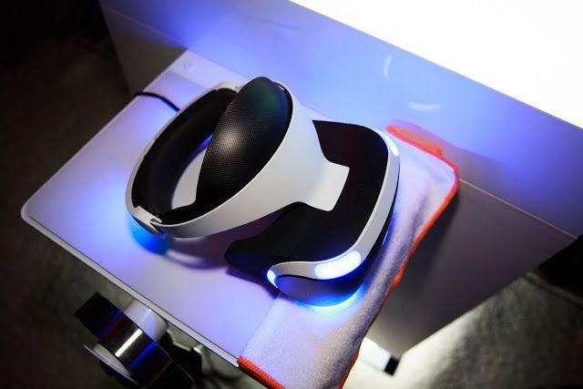 Las gafas de Sony PlayStation VR costarán US$399 y llegarán en octubre    El visor de realidad virtual de PlayStation costará 399 dólares y estará disponible en octubre.Foto:EFE  Se acabaron las especulaciones y los rumores: PSVR el equipo de  realidad virtual para la PS4 saldrá al mercado en octubre tendrá unos 50 juegos disponibles para la  nueva plataforma y costará 399 dólares un precio menor respecto a  competidores como el Oculus Rift y el HTC Vive de 599 y 800 dólares…