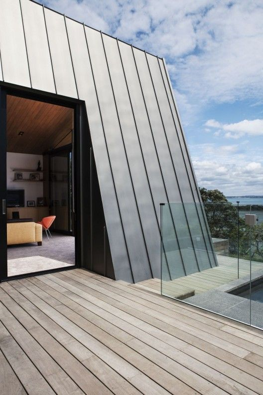 Detail from Winsomere Cres, Aukland, New Zeeland by Dorrington Architects & Associates