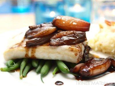 » Ovnsbakt torsk med balsamicoløk og sellerirotmos