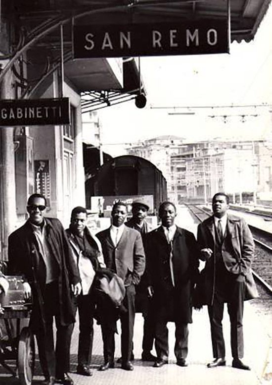 From L-R: Cedar Walton, Curtis Fuller, Wayne Shorter, Reggie Workman, Art Blakey, and Freddie Hubbard. The Jazz Messengers, c. 1962.