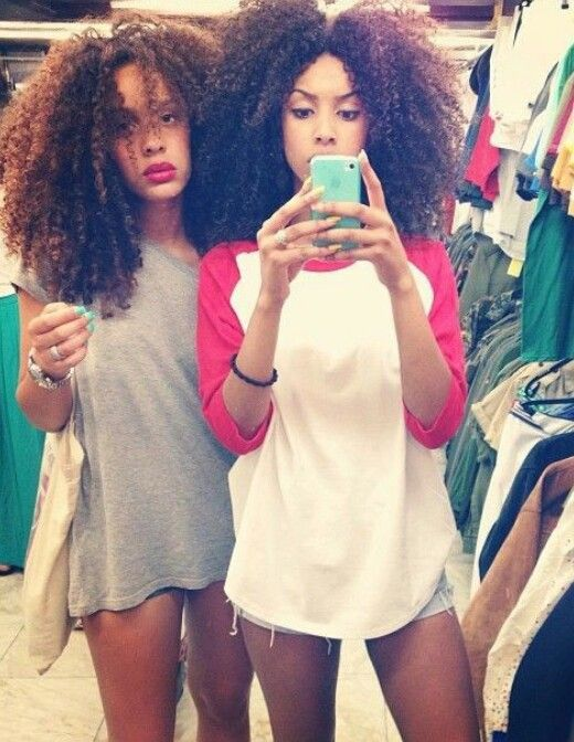 Learn how you and your bestie can achieve a big fluffy twist out like these two: http://curlsunderstood.com/the-fluffy-twist-out